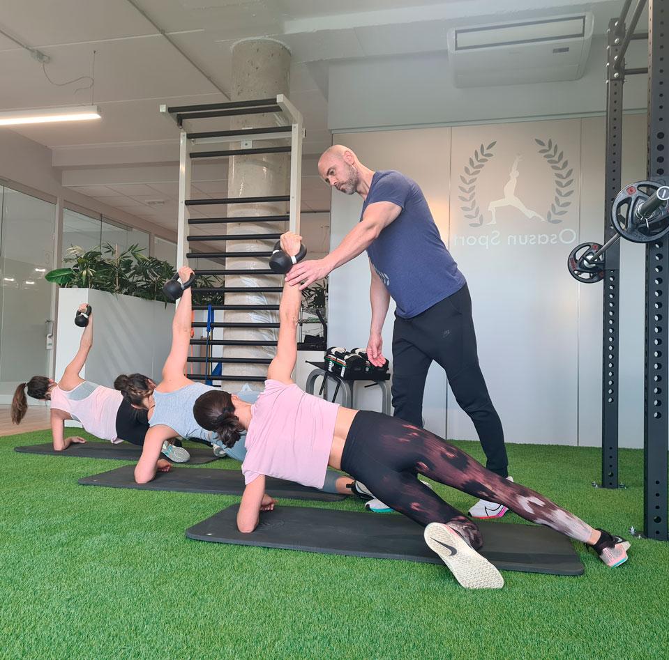 entrenamiento-grupos-reducidos-cuerpo-en-forma-sergio-sukunza-osasun-sport-clinic